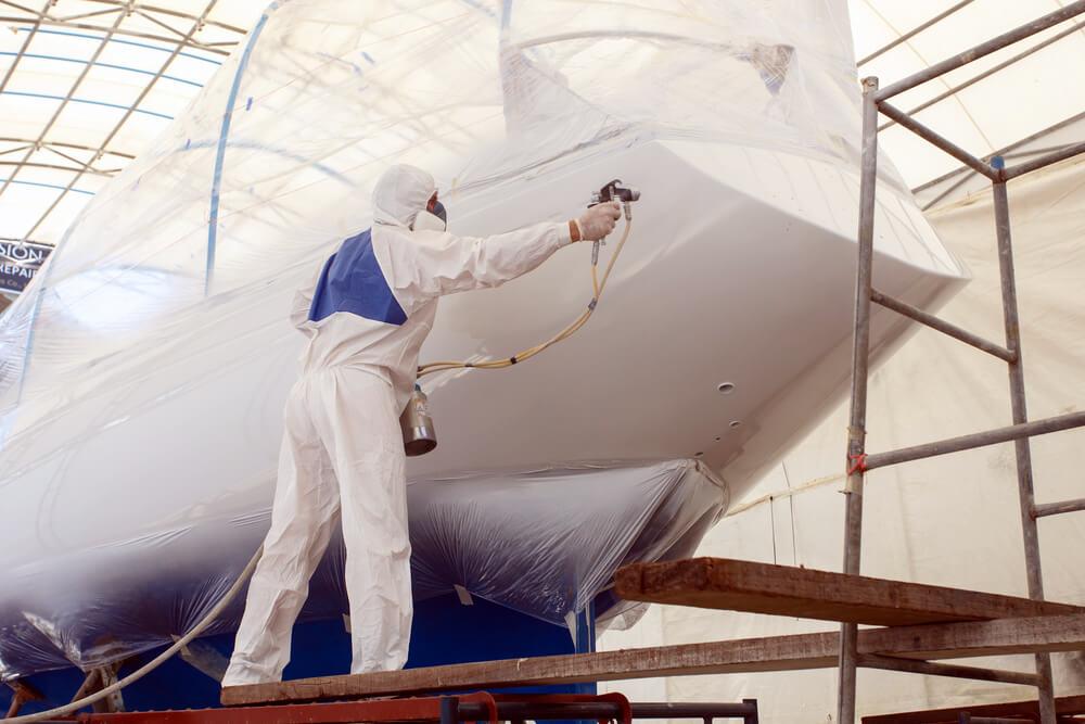 peintre professionnel coque bateau